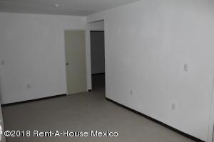 Departamento En Renta En La Pradera - Código: 18-926