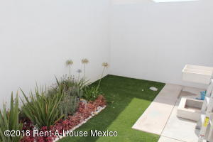 Casa En Venta En El Marques En Gas - Código: 19-359
