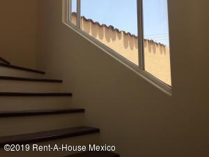 Casa En Venta En Cuajimalpa de Morelos En Cuajimalpa - Código: 19-1273