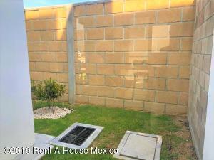 Casa En Venta En Queretaro En Gas - Código: 19-1821