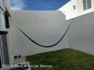Casa En Renta En El Marques En Gas - Código: 19-1926