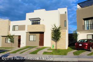 Casa En Renta En El Marques En Gas - Código: 19-1966