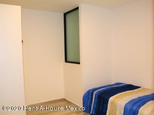 Departamento En Renta En Queretaro En Santa Fe de Juriquilla - Código: 20-1512