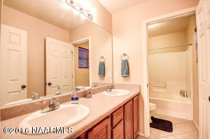 18_Guest Bathroom
