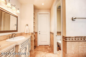 18_Master Bathroom1