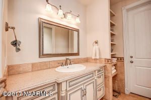 19_Master Bathroom2