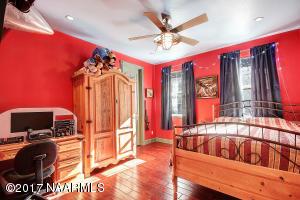 23_Bedroom3