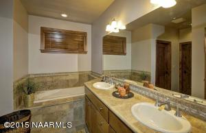_D2X1841-Master Bathroom-F-16-