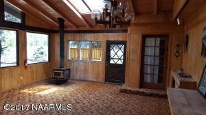 9415 Antoinette Mud Room