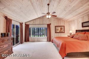 28_Master Bedroom2