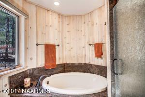 31_Master Bathroom2