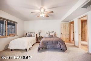 36_Bedroom3