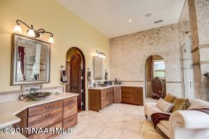 29_Master Bathroom1