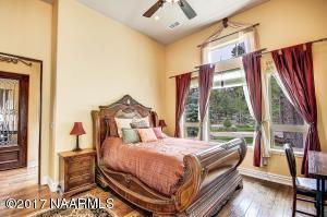 37_Bedroom3
