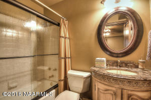 Guest Bathroom3