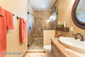 Guest Suite 1 Shower