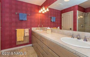 2nd Level Ensuite Bath