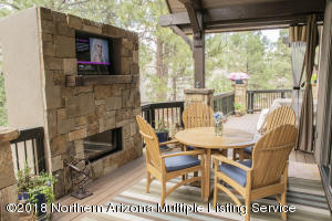 NEW! OUTDOOR FIREPLACE & TV!
