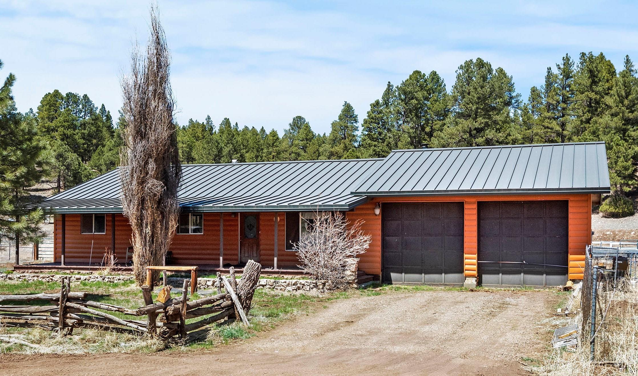 Photo of 3156 Happy Trails Drive, Flagstaff, AZ 86005