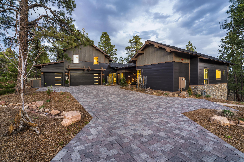 Photo of 2556 S Pinyon Jay Drive, Flagstaff, AZ 86005