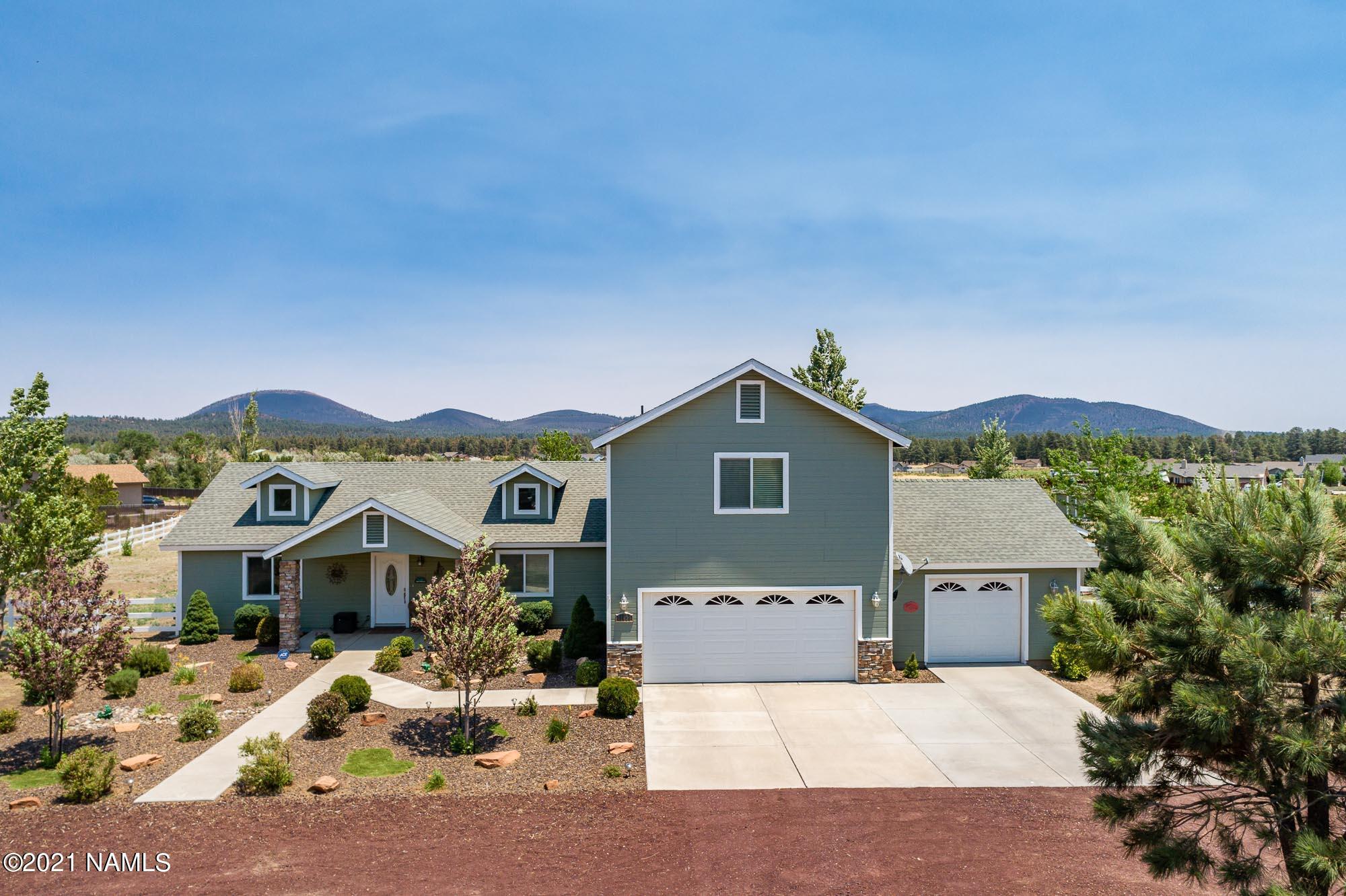 Photo of 11439 N Soaring Eagle Drive, Flagstaff, AZ 86004