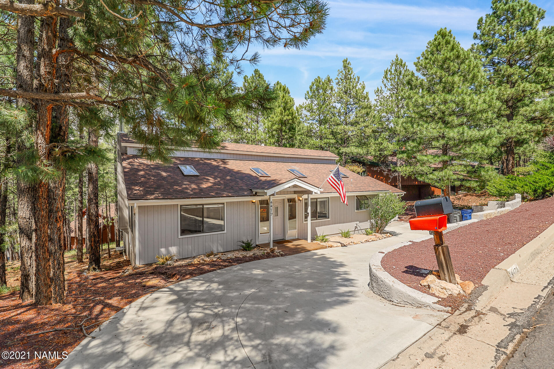 Photo of 4472 E Rustic Knolls Lane, Flagstaff, AZ 86004
