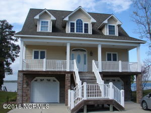 Single Family Home for Sale at 203 Riverside Drive Sneads Ferry, North Carolina 28460 United States