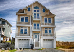Single Family Home for Sale at 31 Porpoise Place N Topsail Beach, North Carolina 28460 United States