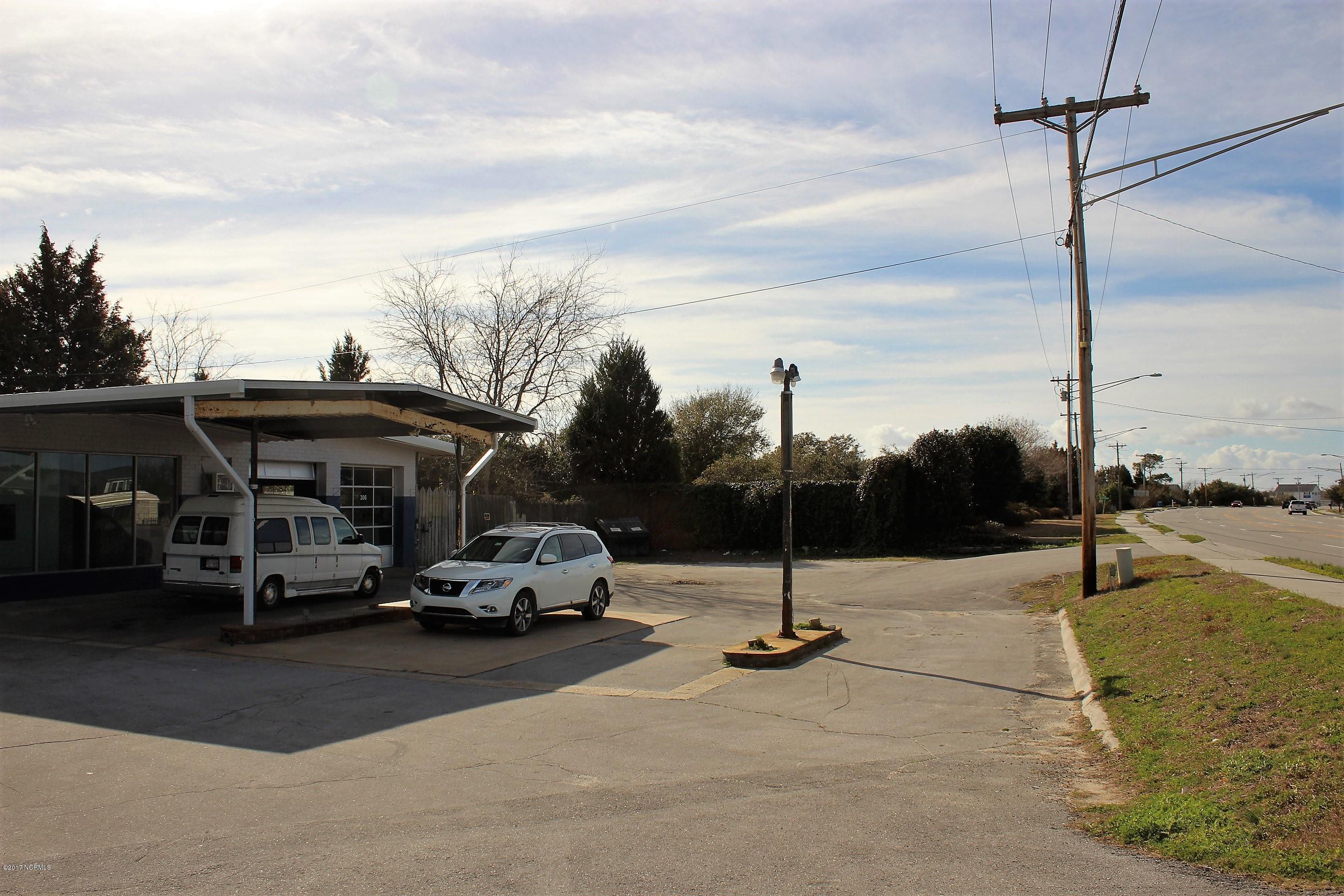 306 Cedar Point Boulevard, Cedar Point, North Carolina 28584, ,For sale,Cedar Point,100041072
