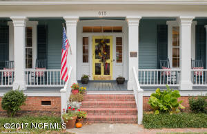 Single Family Home for Sale at 615 College Street Clinton, North Carolina 28328 United States