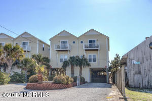 Townhouse for Sale at 809 Ocean Boulevard Topsail Beach, North Carolina 28445 United States