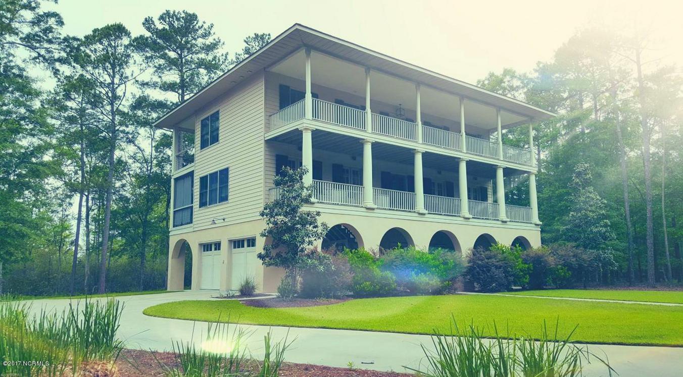 202 Live Oak Lane,Washington,North Carolina,4 Bedrooms Bedrooms,8 Rooms Rooms,4 BathroomsBathrooms,Single family residence,Live Oak,100008301