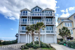 Single Family Home for Sale at 100 Oceanview Lane N Topsail Beach, North Carolina 28460 United States