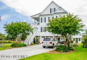Single Family Home for Sale at 31 Sandy Lane Surf City, North Carolina 28445 United States