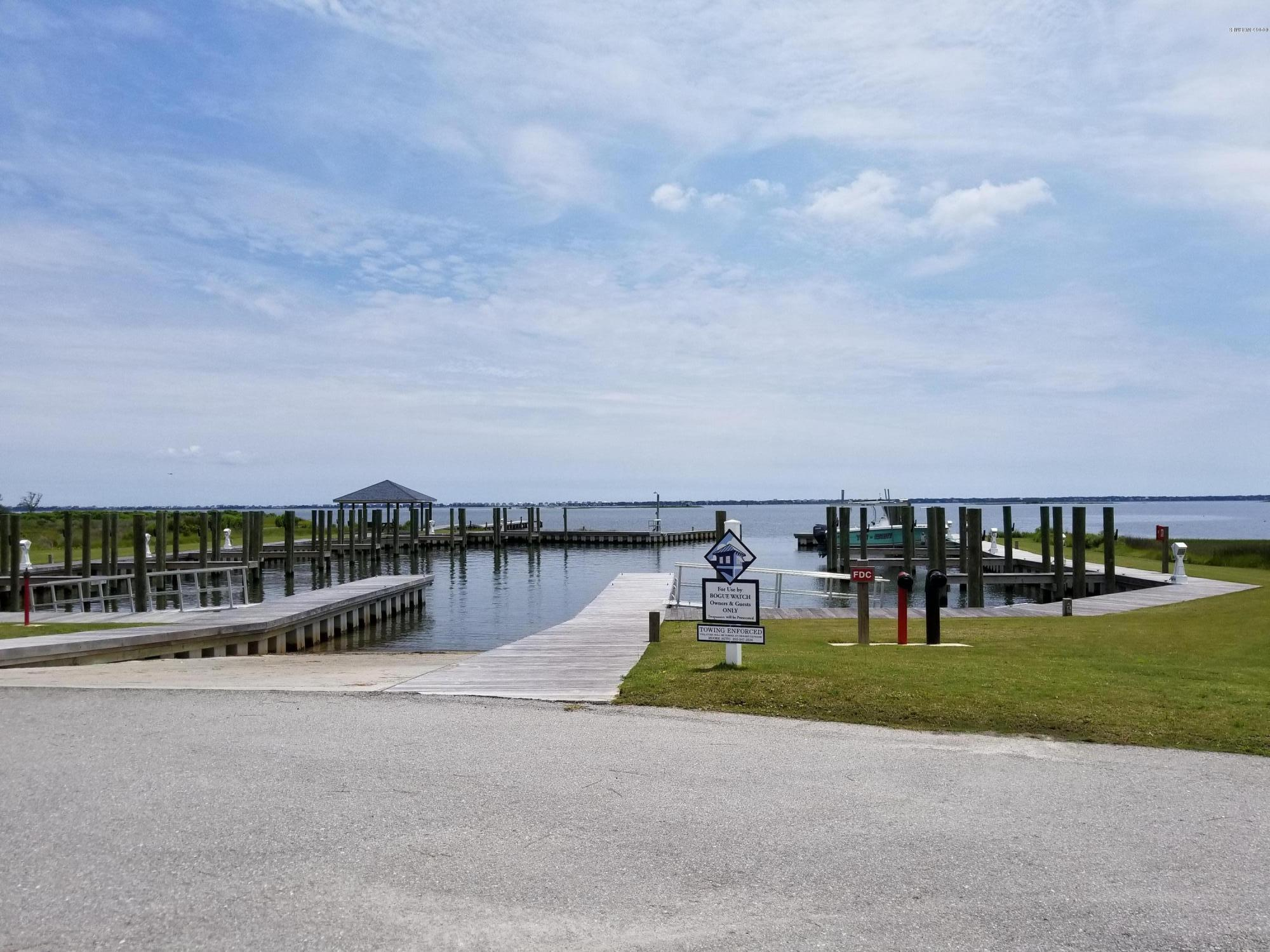 305 Seafarer Street, Newport, North Carolina 28570, ,Residential land,For sale,Seafarer,100070141