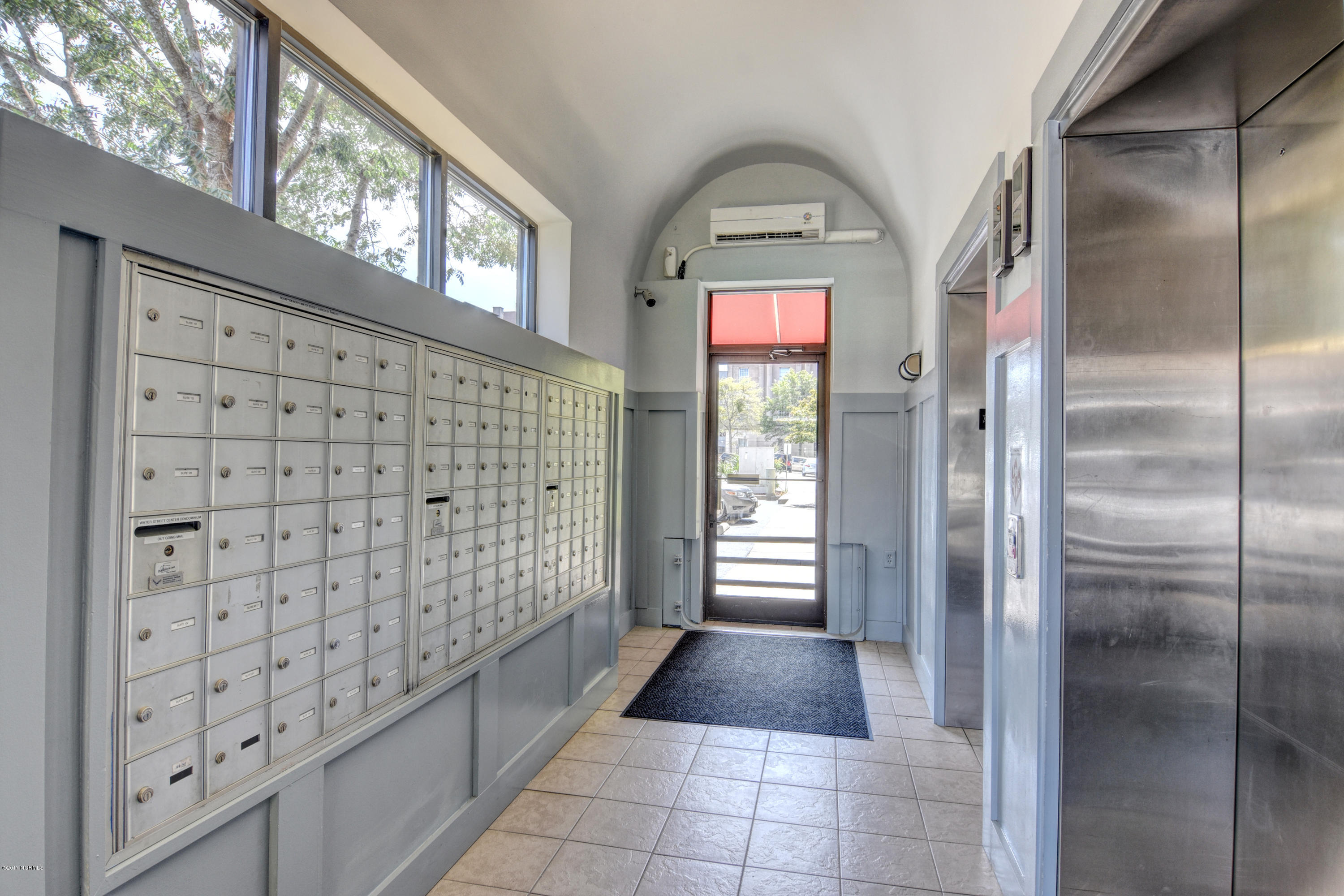 106 Water Street, Wilmington, North Carolina, 2 Bedrooms Bedrooms, 5 Rooms Rooms,2 BathroomsBathrooms,Condominium,For sale,Water,100081708