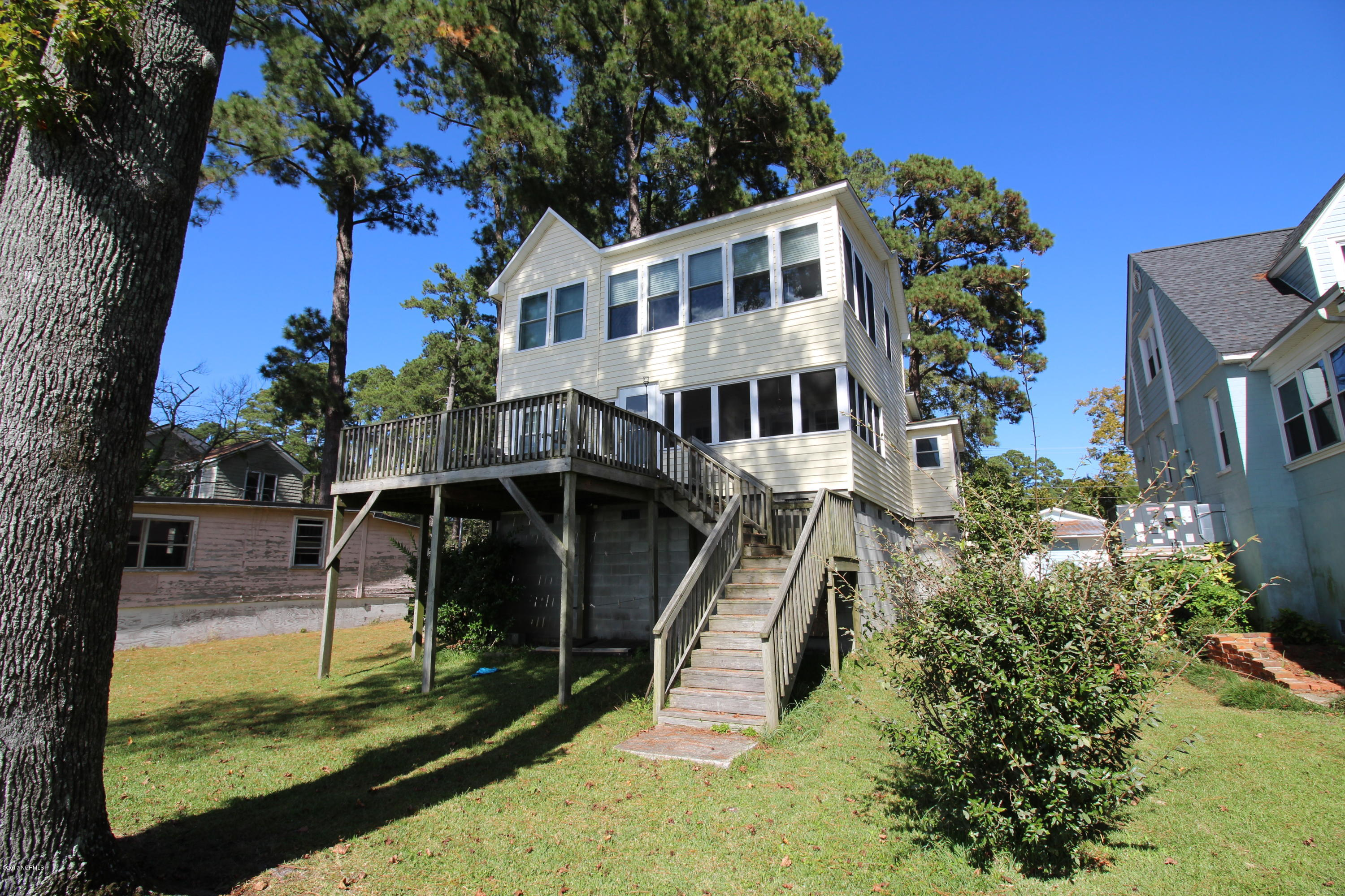 218 Shady Banks Beach Road, Washington, North Carolina, 3 Bedrooms Bedrooms, 7 Rooms Rooms,1 BathroomBathrooms,Single family residence,For sale,Shady Banks Beach,100084888