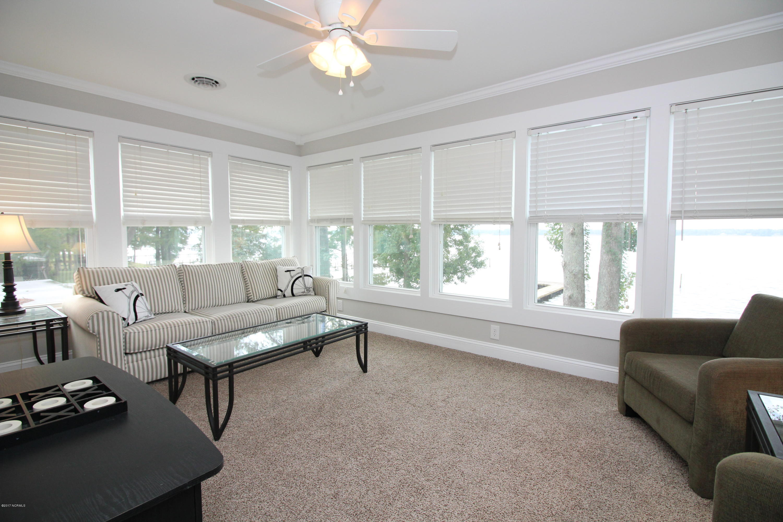 218 Shady Banks Beach Road, Washington, North Carolina, 3 Bedrooms Bedrooms, 7 Rooms Rooms,1 BathroomBathrooms,Single family residence,For sale,Shady Banks Beach,100084888