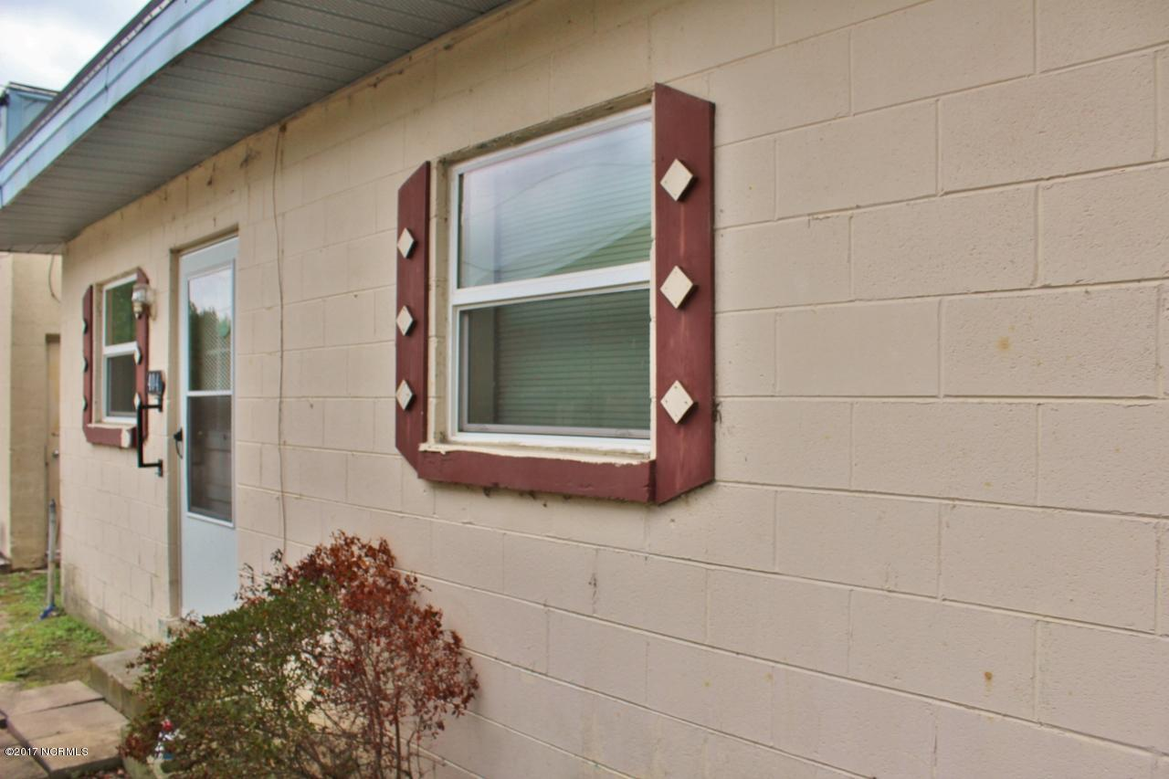 404 Parker Street, Elm City, North Carolina, 2 Bedrooms Bedrooms, 4 Rooms Rooms,1 BathroomBathrooms,Single family residence,For sale,Parker,100086474