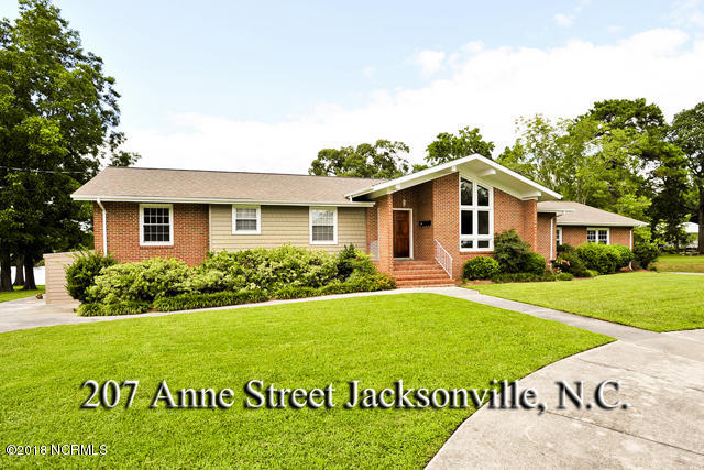 207 Anne Street, Jacksonville, North Carolina, 4 Bedrooms Bedrooms, 10 Rooms Rooms,2 BathroomsBathrooms,Single family residence,For sale,Anne,100104458