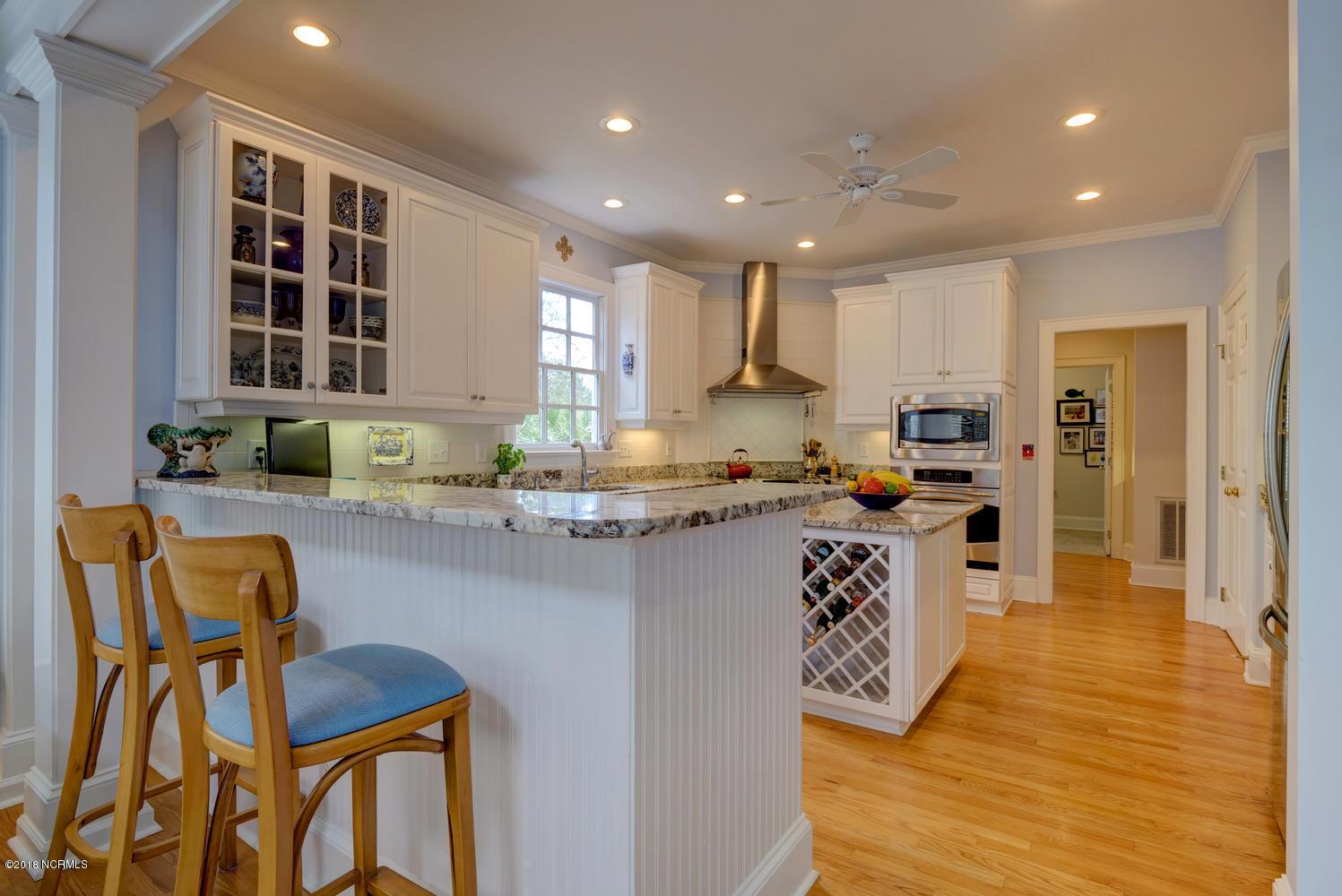 2811 Shandy Avenue,Wilmington,North Carolina,4 Bedrooms Bedrooms,10 Rooms Rooms,3 BathroomsBathrooms,Single family residence,Shandy,100104549