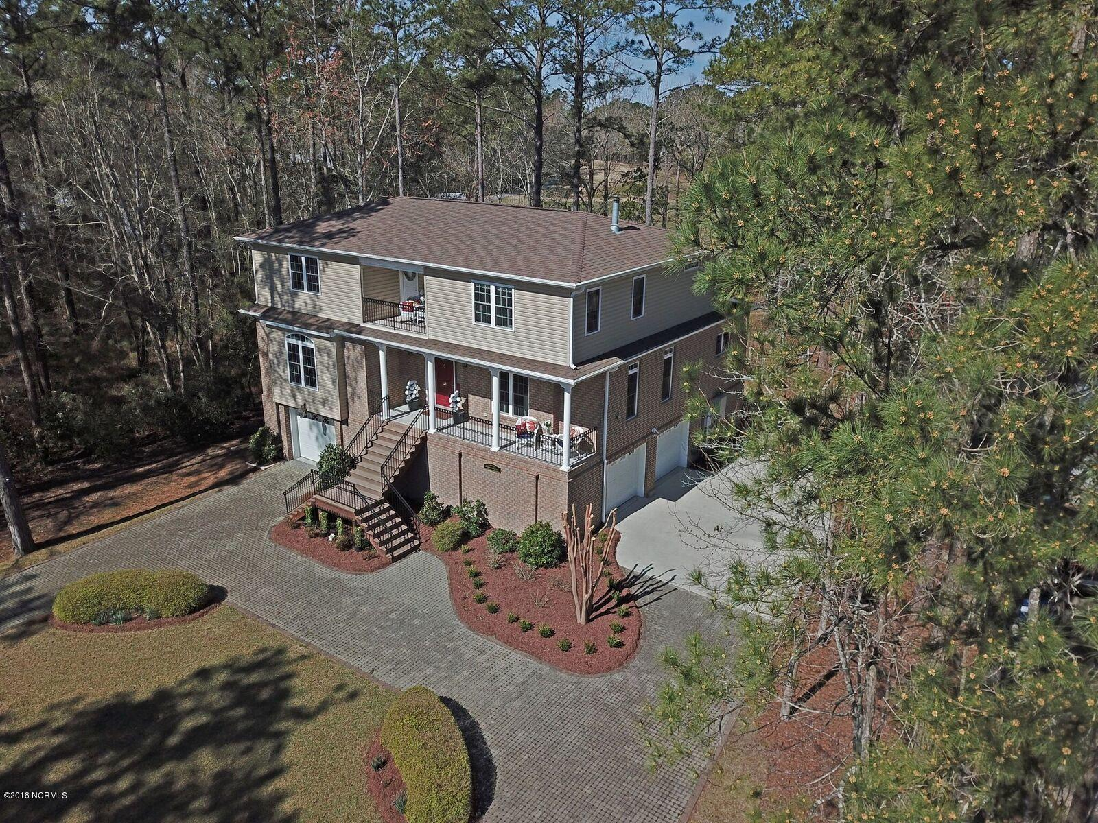 1019 Harbour Pointe Drive, New Bern, North Carolina, 3 Bedrooms Bedrooms, 9 Rooms Rooms,2 BathroomsBathrooms,Single family residence,For sale,Harbour Pointe,100104759