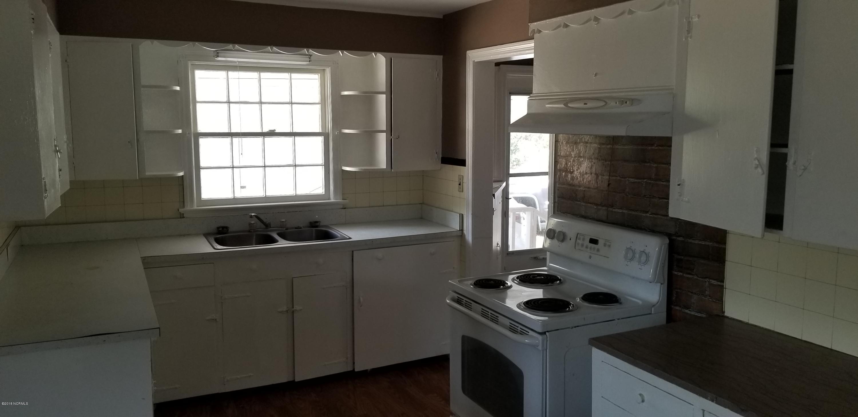 403 Thompson Street- Whiteville- North Carolina, 3 Bedrooms Bedrooms, 7 Rooms Rooms,2 BathroomsBathrooms,Single family residence,For sale,Thompson,100105177