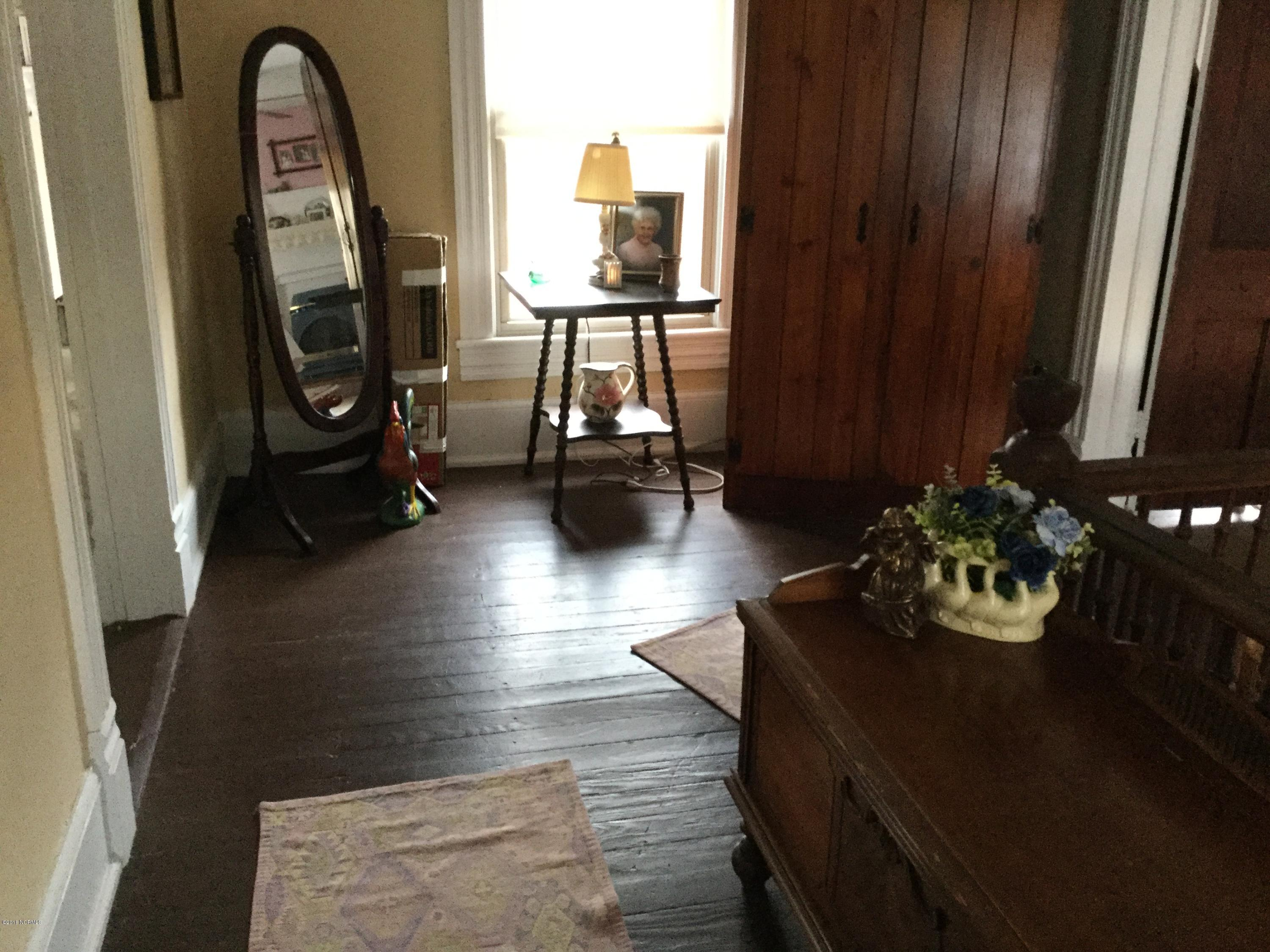 525 A Street, New Bern, North Carolina, 4 Bedrooms Bedrooms, 10 Rooms Rooms,2 BathroomsBathrooms,Single family residence,For sale,A,100105474