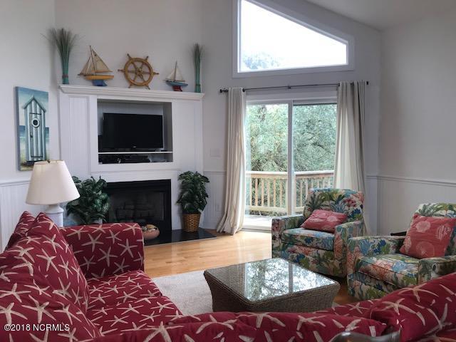 9707 Green Glen Road, Emerald Isle, North Carolina, 4 Bedrooms Bedrooms, 7 Rooms Rooms,3 BathroomsBathrooms,Single family residence,For sale,Green Glen,100105499