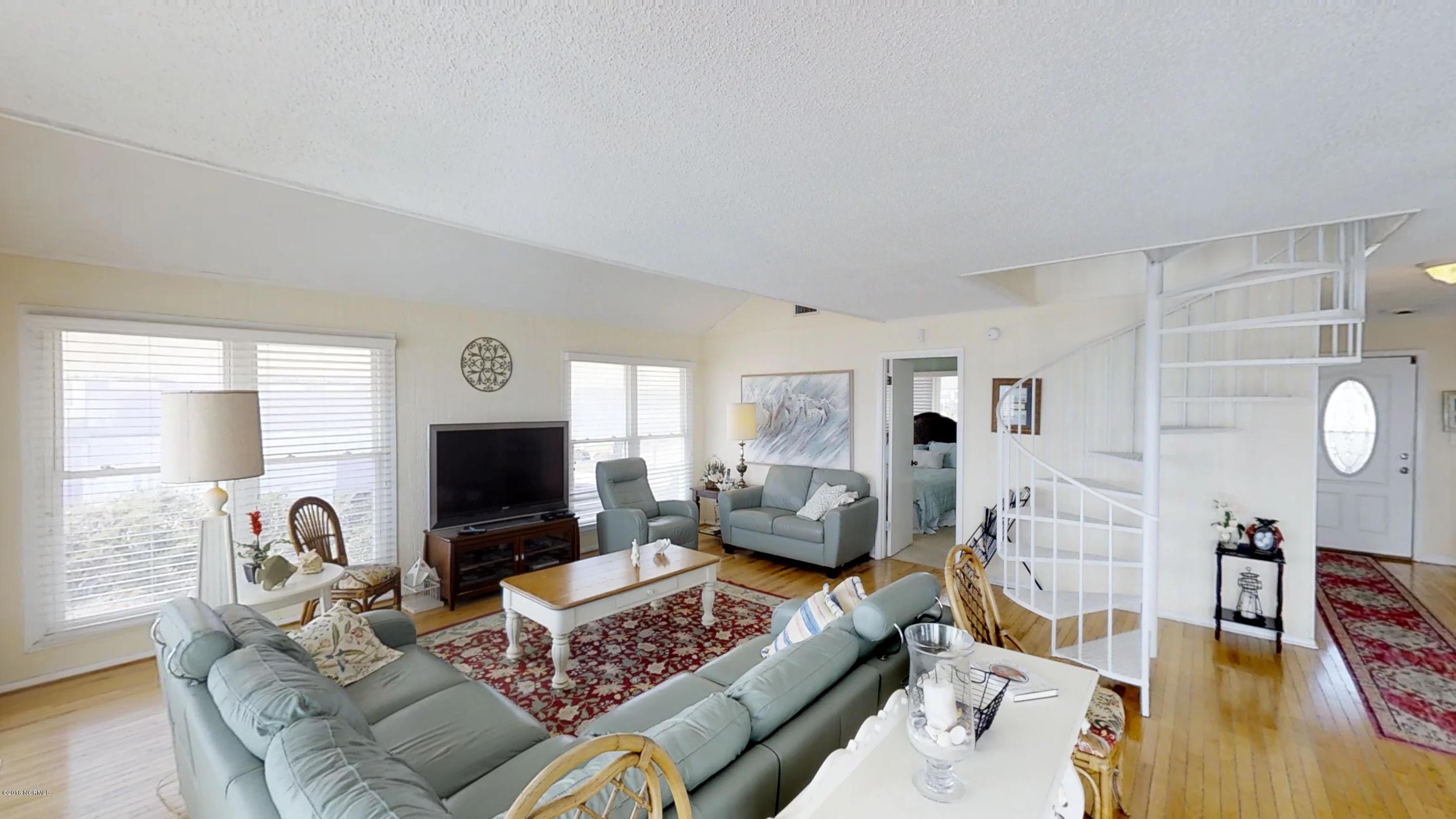 7313 Ocean Drive, Emerald Isle, North Carolina, 5 Bedrooms Bedrooms, 8 Rooms Rooms,4 BathroomsBathrooms,Single family residence,For sale,Ocean,100103387