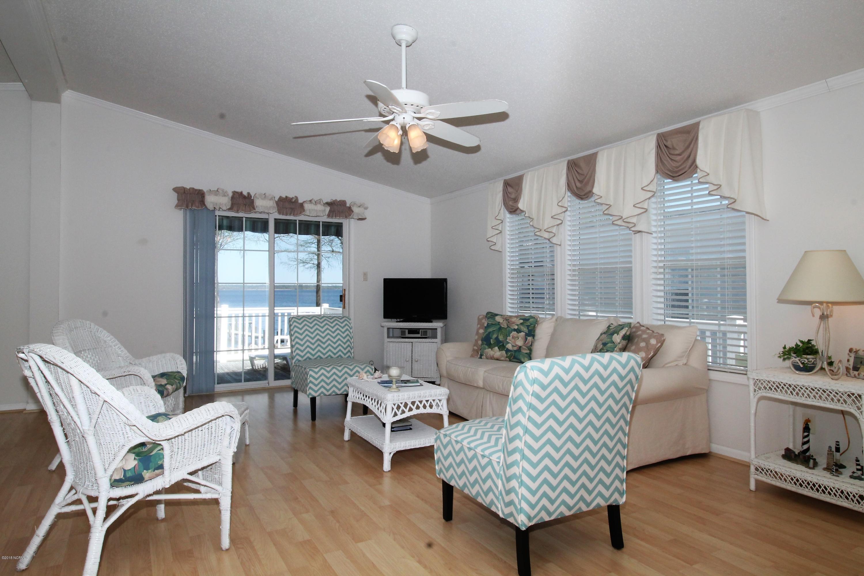 698 Hollis Drive,Blounts Creek,North Carolina,3 Bedrooms Bedrooms,6 Rooms Rooms,2 BathroomsBathrooms,Single family residence,Hollis,100110023