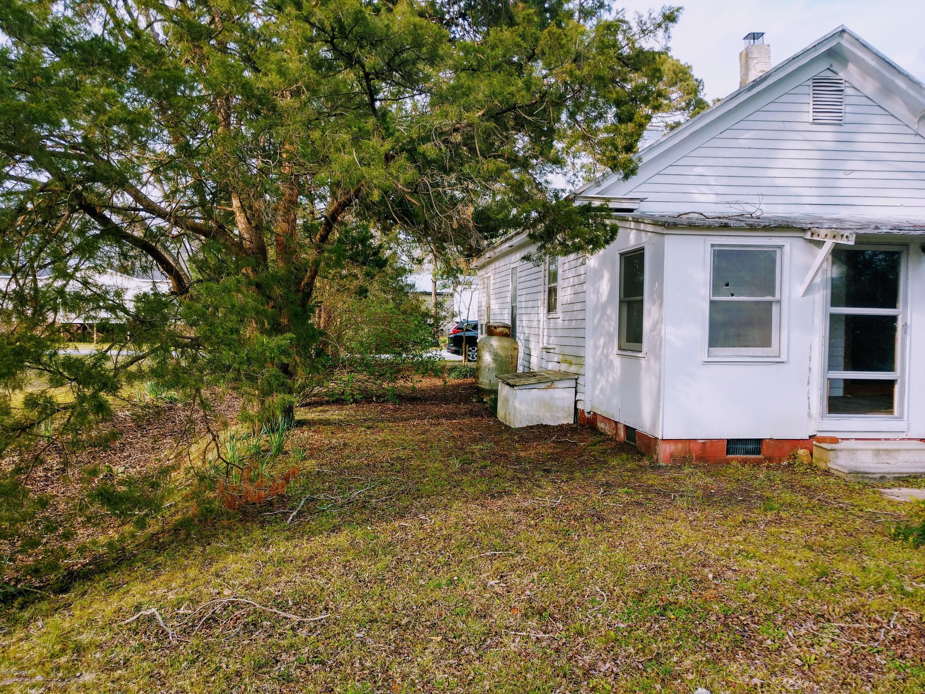 102 Elm Street, Vandemere, North Carolina, 3 Bedrooms Bedrooms, 6 Rooms Rooms,2 BathroomsBathrooms,Single family residence,For sale,Elm,100112089