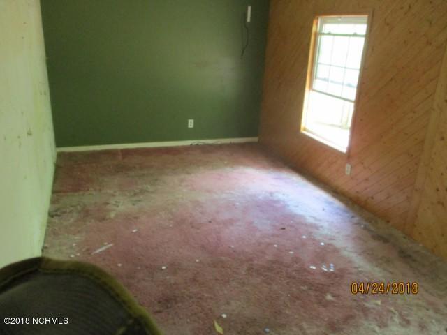 97 River Road,Blounts Creek,North Carolina,3 Bedrooms Bedrooms,8 Rooms Rooms,2 BathroomsBathrooms,Single family residence,River,100117781