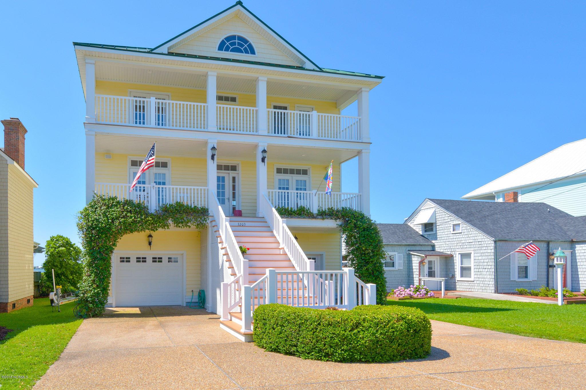 3203 Evans Street, Morehead City, North Carolina, 4 Bedrooms Bedrooms, 7 Rooms Rooms,4 BathroomsBathrooms,Single family residence,For sale,Evans,100133023
